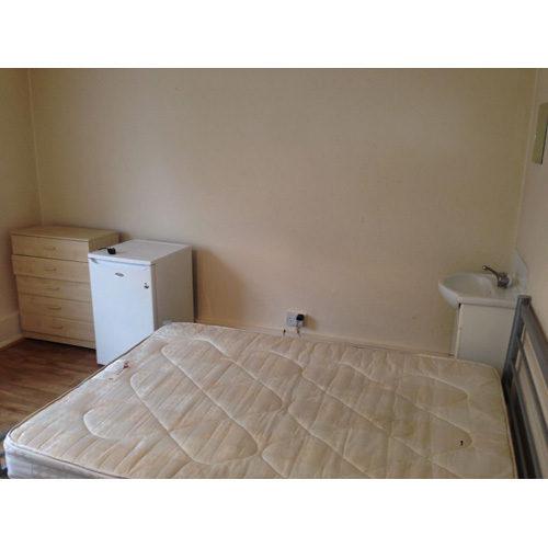 Flat To RentThe Broadway, Bexley HeathDA6 7HL£100 pw / £433 pcm