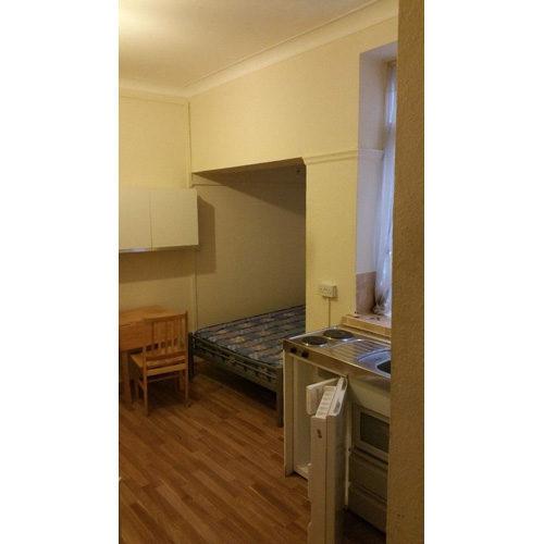 Studio To RentIslington High Street, AngelN1 9LQ£208 pw / £900 pcm