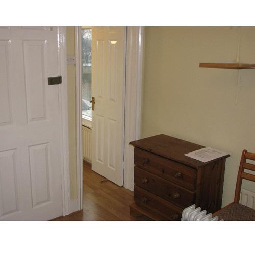 Studio To RentLynton Road, North ActonW3 9HJ£90 pw / £390 pcm