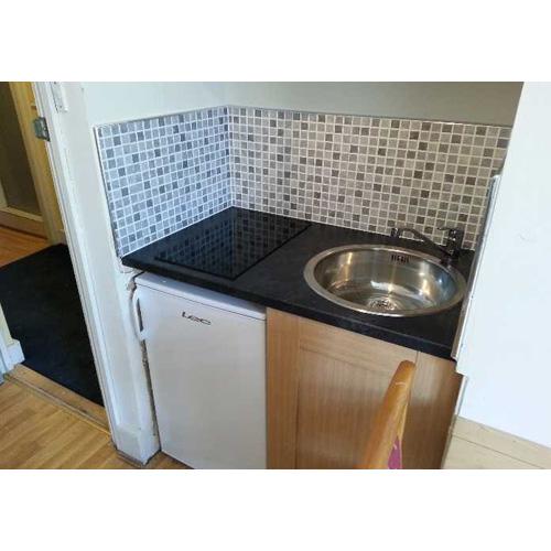 Studio To RentCastletown Road, LondonW14 9HG£90 pw / £390 pcm