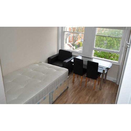 Studio To RentMatheson Road, West Kensington/Barons CourtW14 8SW£135 pw / £585 pcm