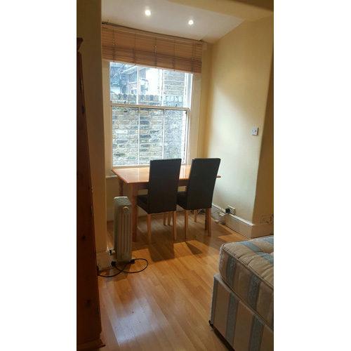 Studio To RentMatheson Road, West Kensington/Barons CourtW14 8SW£190 pw / £823 pcm