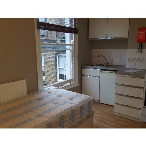 Studio To RentSulgrave Road, Hammersmith, LondonW6 7QH£130 pw / £563 pcm