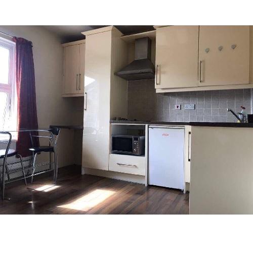Studio To Renttalgarth Road West Kensingtonw14 9db 163 208 Pw